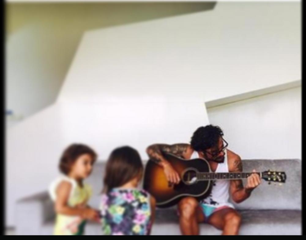 Osvaldo con le figlie